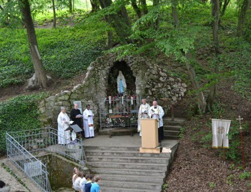 Grottefest mit Segnung der renovierten Grotte